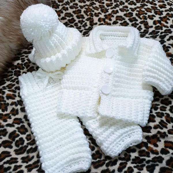 Easy and Beauty Crochet Baby Clothes pattern