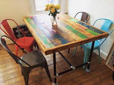 Chic Pallet Dining Table DIY Idea