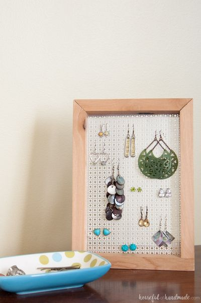 Easy DIY Earring Stand Plan