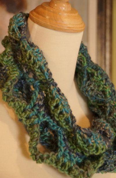 Butterfly Stitch Infinity Cowl Crochet Pattern