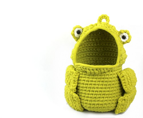 Frog Hanging Crochet Basket Pattern