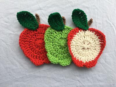 Free Crochet Apple Applique Pattern